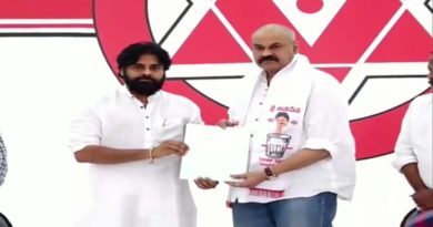 Pawan Kalyan's brother Naga Babu joins Janasena